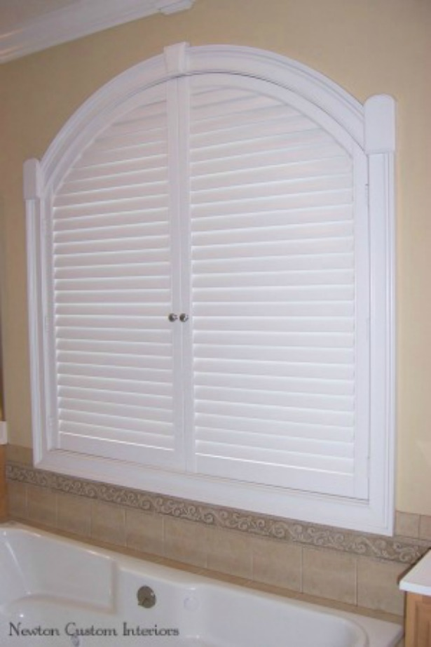Arched-bathroom-shutter