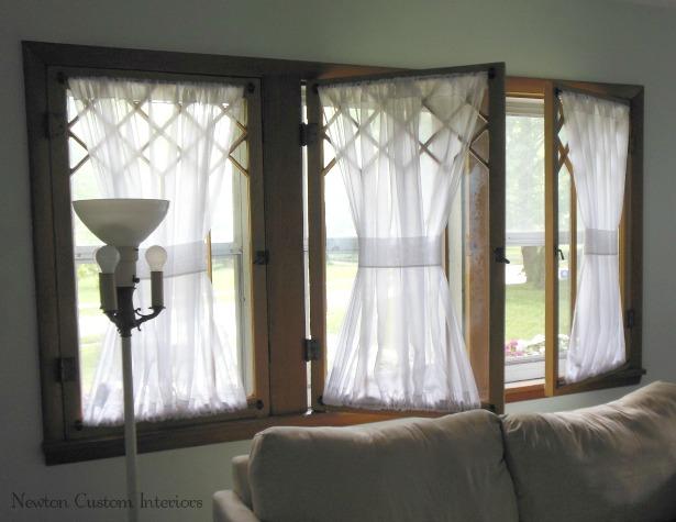 Cottage-front-windows