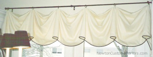 dining-area-swag-valance