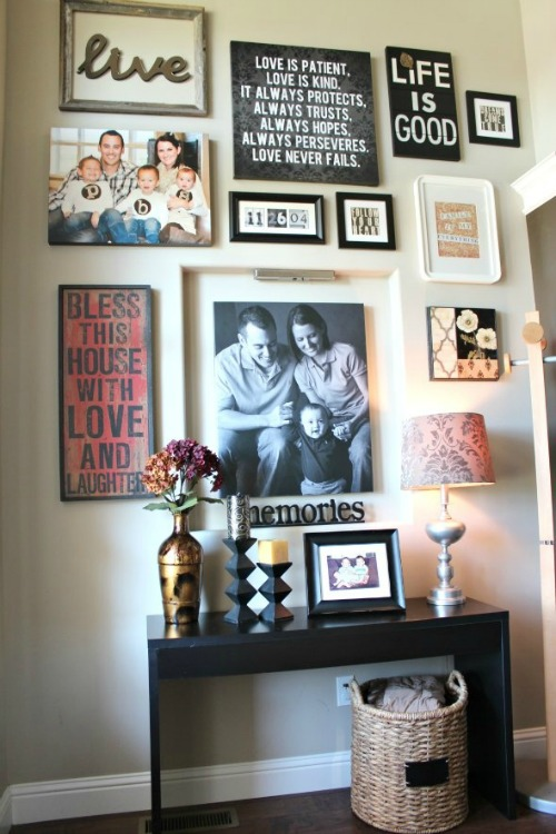 roses-gallery-wall