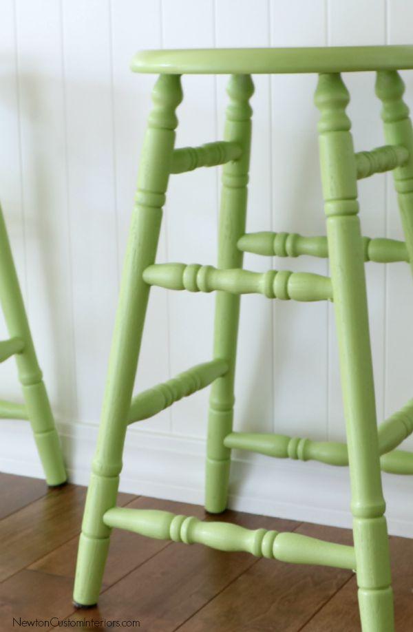 green stool