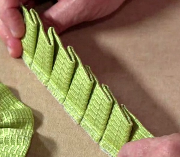 knife pleat ruffle