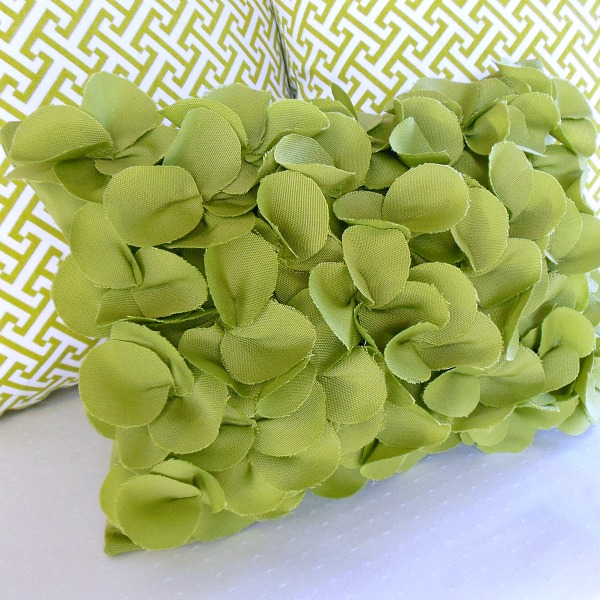 Petals Pillow Tutorial