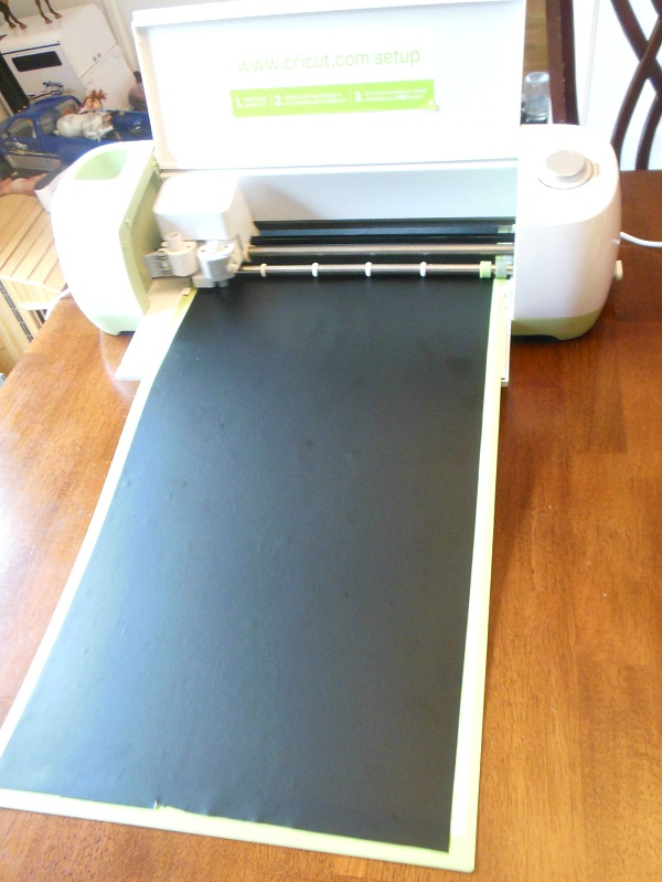 How To Make A DIY Sign With A Cricut - Newton Custom Interiors
