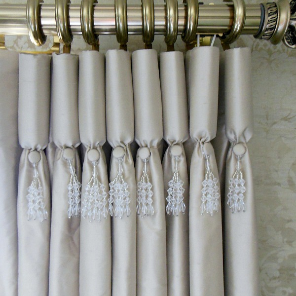 goblet pleats