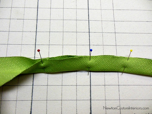 place mat bias binding pinned