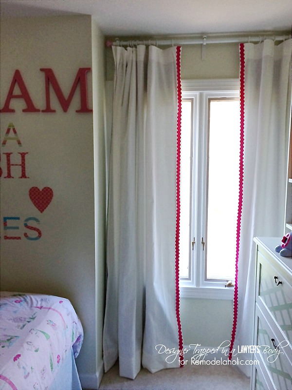 rick-rack curtains from remodelaholic