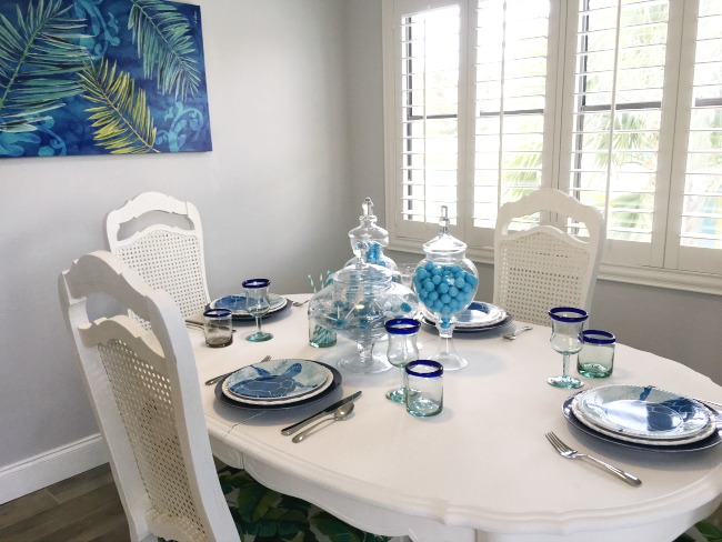 Coastal decor dining room.
